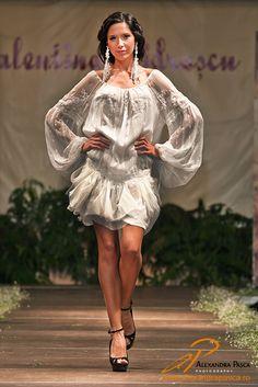 Valentina Vidrascu, Cosanzeana de lux Classy Chic, Classy Style, Elegant Outfit, Creative Design, Gowns, Style Inspiration, Blouse, How To Make, Romania