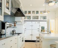 Fabulous restored 1950s kitchen in the Lauders' Palm Beach home