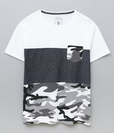 9815b292ea Camiseta Listrada com Bolso - Lojas Renner. Roupas MangáRoupas BonitasCamisa  Masculina Manga CurtaCamiseta ...