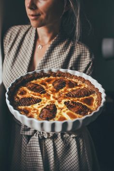 Hruškový koláč • CukrFree.cz Healthy Cake, Healthy Recipes, Baked Goods, Tart, Good Food, Paleo, Low Carb, Baking, Pudding