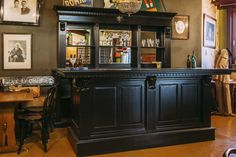 Massief Mahonie Bar | Barbouw op maat | Mencave | Thuisbar | Horecameubilair | Horecainventaris | Thuiskroeg | Mancave | Oudewater | Horeca Interieurbouw | Custommade Bar Interior | Grand Café Interior | Building Materials | Irish Pub design | English Pub design | Architectural Antiques