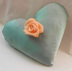 exclusive pillow  heart pillow  green  style vintage di Ilfilodoro