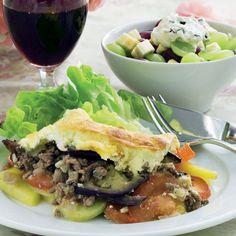 Skøn weekendmenu: Moussaka og frisk frugtsalat Delicious Recipes, Yummy Food, Moussaka, Beef, Meat, Delicious Food, Steak