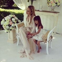 Beautiful mother and daughter photo Mom And Baby, Mommy And Me, Baby Kids, Mom Daughter, Daughters, Family Goals, Mother And Father, Beautiful Family, Mothers Love