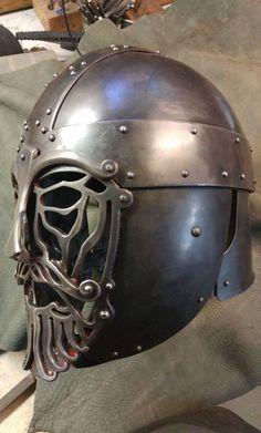 Helmet by Vrin Thomasino ttps://www.facebook.com/groups/unitedleagueofarmourers/permalink/872083882932251/