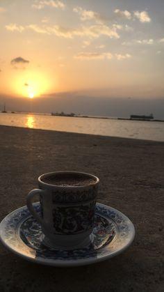Coffee Latte Art, Coffee Snobs, I Love Coffee, Coffee Cafe, Coffee Drinks, Coffee Photography, Tumblr Photography, Good Morning Coffee, Brown Coffee