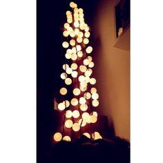 Cascata de luminária e de bolinhas
