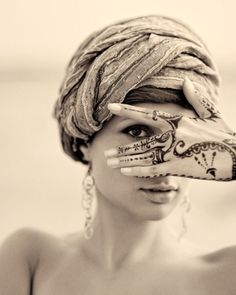 henna is so beautiful...so are head wraps :)