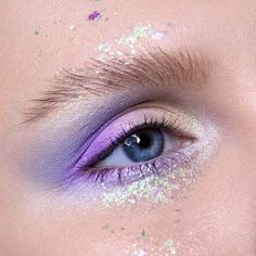 Image shared by sᴛʏʟɪsʜ_ᴠeɪɴ. Find images and videos about beauty, makeup and inspiration on We Heart It - the app to get lost in what you love. Exotic Makeup, Purple Makeup, Colorful Makeup, Makeup Inspo, Makeup Art, Beauty Makeup, Rave Makeup, High Fashion Makeup, Liquid Eyeshadow