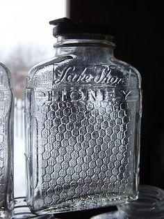 1940's Lakeside honey jar