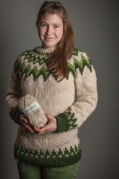 Fluffy Sweater, Mohair Sweater, Sweater Fashion, Sweater Outfits, Norwegian Knitting Designs, Pullover Mode, Icelandic Sweaters, Loom Bracelet Patterns, Dressed To The Nines