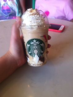 Starbucks mini s'more frapp~seriously the best drink ever!