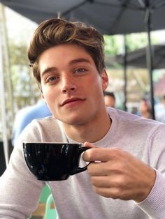 Hand that holds this cup, redraw it Pretty Boys, Beautiful Boys, Beautiful People, Froy Gutierrez, Teen Boys, My Boys, My Man, A Good Man, Cute Guys