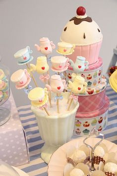 Ice Cream Treats, Ice Cream Party, Baby Birthday, Birthday Parties, Gender Party, Cookie Pops, Alice In Wonderland Party, Mad Hatter Tea, Party Treats