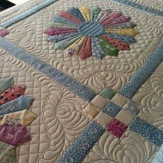 Machine Quilting Patterns, Quilt Block Patterns, Longarm Quilting, Free Motion Quilting, Patchwork Quilting, Quilting Ideas, Dresden Plate Patterns, Dresden Plate Quilts, Colchas Quilt