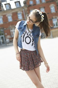 ~ Don't quite know what the shirt says, denim cropped vest with tank sleeves, loose cropped white sarcastic shirt with short sleeves, floral skirt