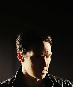 Really, Ben? The collar, the cheekbones? Stop feeding the fangirls.
