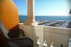 Planeie o descanso que merece num hotel à beira mar, no centro histórico da Nazaré. No Hotel Cubata, 5 ou 7 noites para 2 pessoas desde 169€. - Descontos Lifecooler