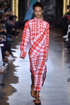 Stella McCartney Spring 2016 Ready-to-Wear Fashion Show