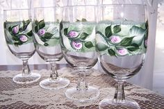 Ice+tea+glasses+with+Pink+Rose+Buds+and+white+by+BonnysBoutique