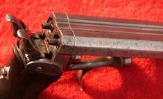 Eine doppelläufige Pistole Priming Delvigne (Klick auf das Bild in voller Größe…