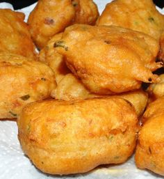 Beignets de thon (par Asmaa & # s Recipes of the Kitchen) - Mauritian Food, Seafood Recipes, Cooking Recipes, Donut Recipes, Tunisian Food, Cas, Louisiana Recipes, Exotic Food, Football Food