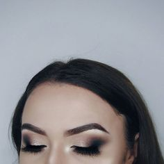 Eyes: @anastasiabeverlyhills #prismpalette lure+parallel+obsidian Brows: @anastasiabeverlyhills #dipbrowpomade dark brown  Face: @toofaced #bornthisway Snow @katvondbeauty lock-it concealer creme L3  @makeuprevolutionpolska #ultracreamcontourpalette  @lauramercier #translucent powder Highlight:  @beccacosmetics moonstone Lashes: @beautylashespl holly #mua #makeup #selfie #polishgirl #muapl #makeupartist #makeupaddict #girl #makeupforbarbies #abhbrows #followme #undiscovered_muas #plgirl…