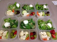 Green Salad with sunflower seeds, parmesan cheese and hard boiled egg. Mixed fruit and also mixed veggies. --minus cucumber 4 me :p Easy Lunch Boxes, Lunch Box Recipes, Lunch Snacks, Box Lunches, Lunchbox Ideas, Lunch To Go, Lunch Time, Healthy Treats, Healthy Recipes