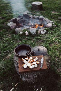 cooking pork tenderloin in oven. Fire Cooking, Outdoor Cooking, Cooking Pork, Camping Cooking, Bushcraft Camping, Camping And Hiking, Camping Aesthetic, Camper Life, Slow Living