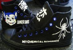 My Chemical Romance shoes ; Casual Cosplay, Emo Bands, Music Bands, Emo Outfits, Cute Outfits, Converse Shoes, Emo Shoes, Black Parade, I Love Music