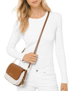 Eileen Kors Small Flap Crossbody #designerhandbagsmichaelkors #handbagsmichaelkorscrossbody #handbagsmichaelkorsgucci #handbagsmichaelkors2018 #handbagsmichaelkorsoutfit #pursesandhandbagsmichaelkors Handbags Michael Kors, Cross Body Handbags, Shop Now, Crossbody Bag, Acorn, Stylish, Pretty, Diy Design, Shopping