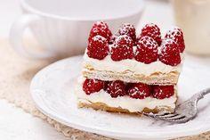 Desserts Français, French Desserts, Delicious Desserts, British Baking Show Recipes, British Bake Off Recipes, French Puff Pastry, French Pastries, Pavlova, The Great British Bake Off