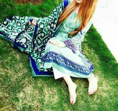 Dpz For Fb, Hidden Face Dpz, Picnic Blanket, Outdoor Blanket, Girls Dpz, Stylish Girl, Cute Girls, Cover Up, Beach