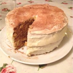 triple layer hummingbird bakery carrot cake + philedelphia cream cheese icing <3