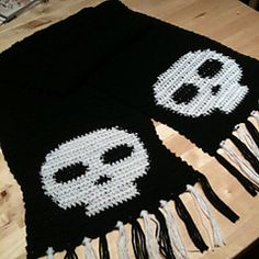 Ravelry: Manly Skull Scarf pattern by Chase Clark