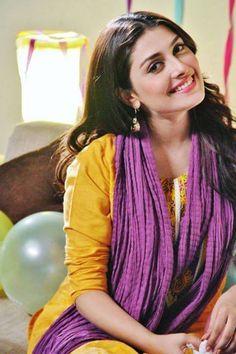 Graceful Collection of Eid Dresses For the Young Ladies Pakistani Models, Pakistani Girl, Pakistani Actress, Pakistani Culture, Ayeza Khan, Bollywood Photos, Bollywood Fashion, Aiman Khan, Beautiful Hijab