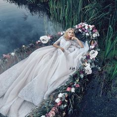 Likes, 4 Kommentare - Loving Haute Couture🦋 ( am Inst . Fantasy Photography, Wedding Photography, Pretty Dresses, Beautiful Dresses, Wedding Styles, Wedding Photos, Fantasy Dress, Marie, Wedding Gowns