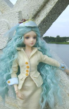 Sunset Boulevard J Doll borrows the suit from Rue St Honore J Doll