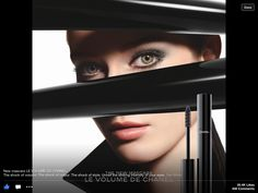 Chanel introduces their new 'Le Volume' mascara exclusively to Selfridges in London. The mascara can be purchased via the Chanel mascara vending machine. Chanel Beauty, Chanel Makeup, Beauty Makeup, Hair Makeup, Hair Beauty, Makeup Lips, Gisele Bundchen, Fashion Fotografie, Black And White