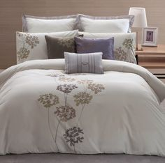 ANABELLA 3 piece comforter set // ensemble de douillette 3 morceaux, available in: single, double, king, queen // disponible en: simple, double, grand lit et très grand lit // reg. 119.99$ - 169.99$