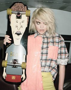 skate girl. this is actually really cool.
