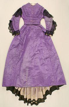 American, Metropolitan Museum of Art Victorian Era Fashion, 1800s Fashion, 19th Century Fashion, Vintage Fashion, Victorian Dresses, Vintage Gowns, Vintage Outfits, Vintage Hats, Civil War Fashion