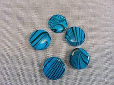 5pcs, Perles plate 20mm, perles coquillage, perles bleu rayé, coquille naturelle, perles palet, lot de 5 perles, perles pour création bijoux de la boutique ArtKen6L sur Etsy