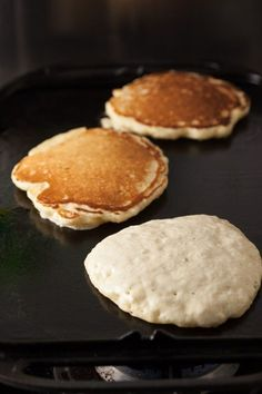 Perfect Sourdough Pancakes Recipe is part of pizza - These perfect fluffy buttermilk sourdough pancakes can be made overnight using leftover starter or discard so the batter is ready to go in the morning Sourdough Pancakes, Sourdough Recipes, Pancakes And Waffles, Sourdough Bread, Protein Pancakes, Breakfast Dishes, Breakfast Recipes, Sourdough Starter Discard Recipe, Rye Sourdough Starter