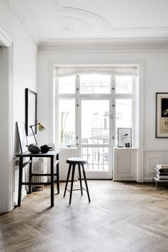 Can you other than love this livingroom? I love it all! | Spotted in Danish ELLE Decoration | Photo by Line Klein together Mille Collin Flaherty Follow Style and Create at Instagram | Pinterest |...