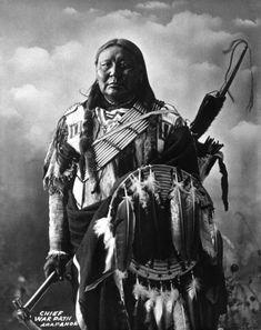 Native American Warrior, Native American Artifacts, Native American Tribes, Native American History, Native American Paintings, Native American Pictures, Indian Pictures, Indian Pics, Arapahoe Indians