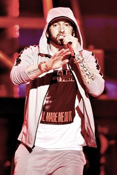 Celebrity Feuds, Marshall Eminem, Eminem Poster, Eminem Photos, The Real Slim Shady, Eminem Slim Shady, Nick Cannon, Anya Taylor Joy, Best Rapper