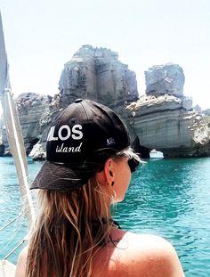 Segeln auf Milos, Griechenland @ Marlene Haider / Restplatzboerse.at Paros, Hotels, Bucket Hat, Nightlife, Sailing, Greece, Travel Advice, Vacation, Travel