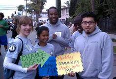 Mentores para jóvenes de California – Integrantes de Americorps actúan como mentores y modelos de conducta para jóvenes en edad escolar, difundiendo sus destrezas y conocimientos a la siguiente generación.