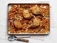 Rosemary-Garlic Pork Chops with Chickpeas Food Network Recipes, Cooking Recipes, Batch Cooking, Cooking Network, Cooking Time, Sheet Pan Suppers, Pork Chop Recipes, Pork Meals, Chicken Meals